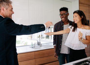 Comment fonctionne le marché du travail dans le secteur immobilier ? La location de terrains et autres biens immobiliers en France
