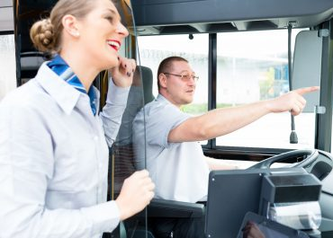 Quels sont les types de contrats de travail dans le tourisme?