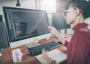 Voulez-vous travailler dans l'IT? Voici tout ce que vous devez savoir pour commencer votre carrière!