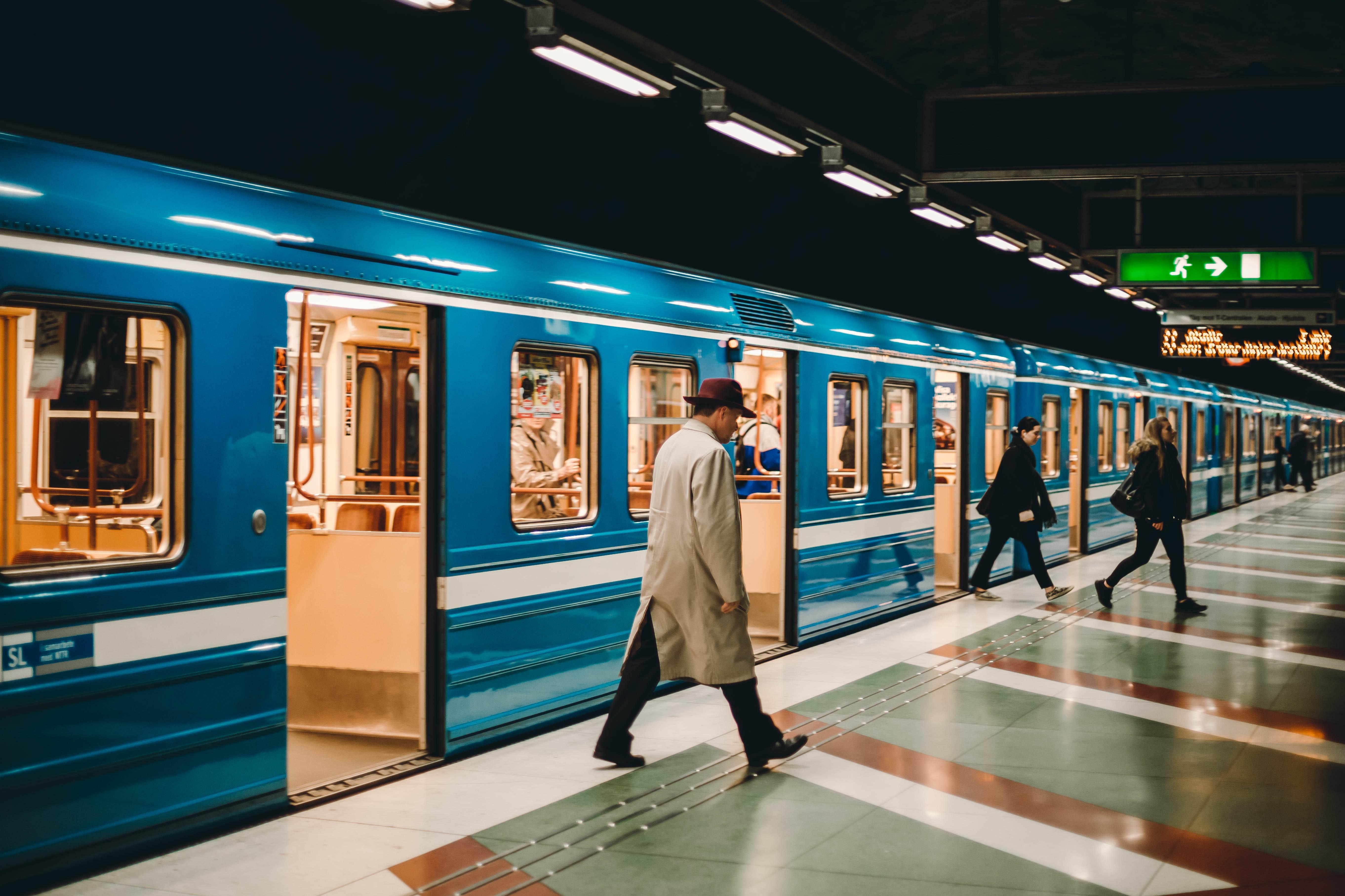 Quelle est l'importance du secteur du transport et de la logistique en France et dans le monde?